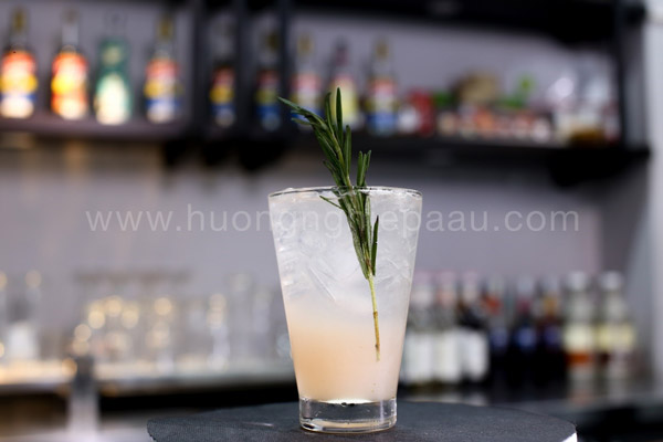 Mocktail Tropical Pomelo Rosemary
