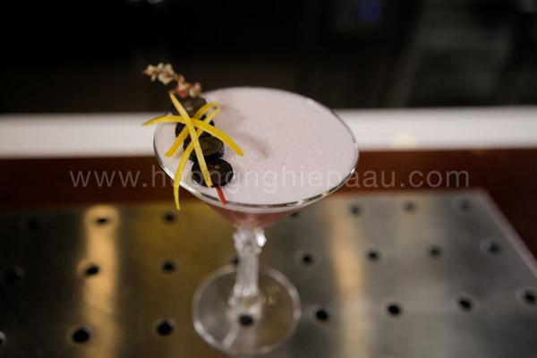 Thức uống với lớp bọt trắng bồng bềnh