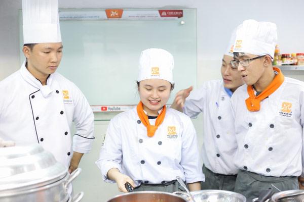học cách làm bánh bạch tuộc