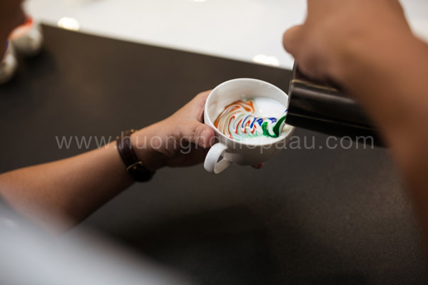 Cách làm Rainbow Latte Art
