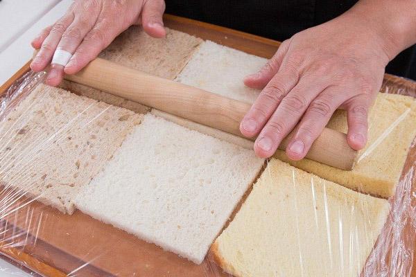 Cán mỏng bánh mì sandwich