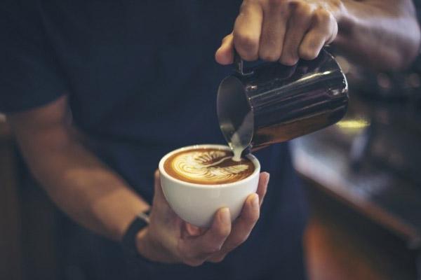 tự học pha cà phê Latte Art