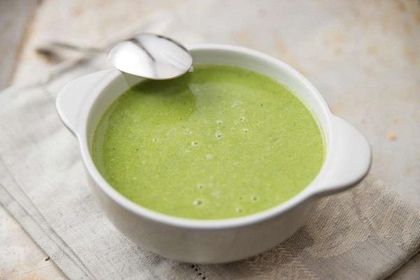 bột sữa đậu nành và rau xanh